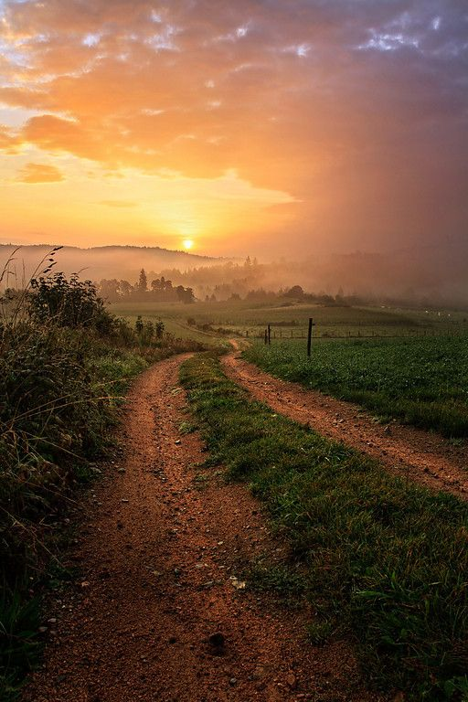"""Sunrise east of """"les Monts du Forez"""