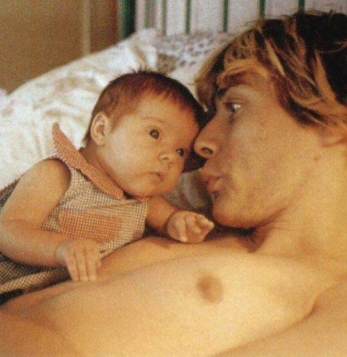 Kurt Cobain with daughter Frances