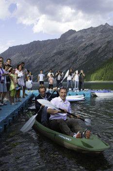 Sport acquatici a 1800 metri: inaugurato il lago di Livigno con Antonio Rossi in canoa | BLU : BLU