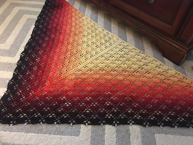 fantasm shawl pattern on ravelry wolltraum yarn heart of