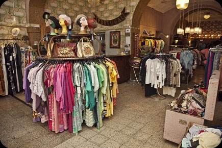 Also a great place to shop and hang out 'A Outra Face da Lua', vintage stores in Lisbon (Portugal) http://www.aoutrafacedalua.com/