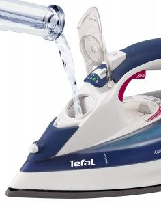Filling the max http://royalirons.co.uk/tefal-fv5370g1-aquaspeed-ultracord-steam-iron-review/