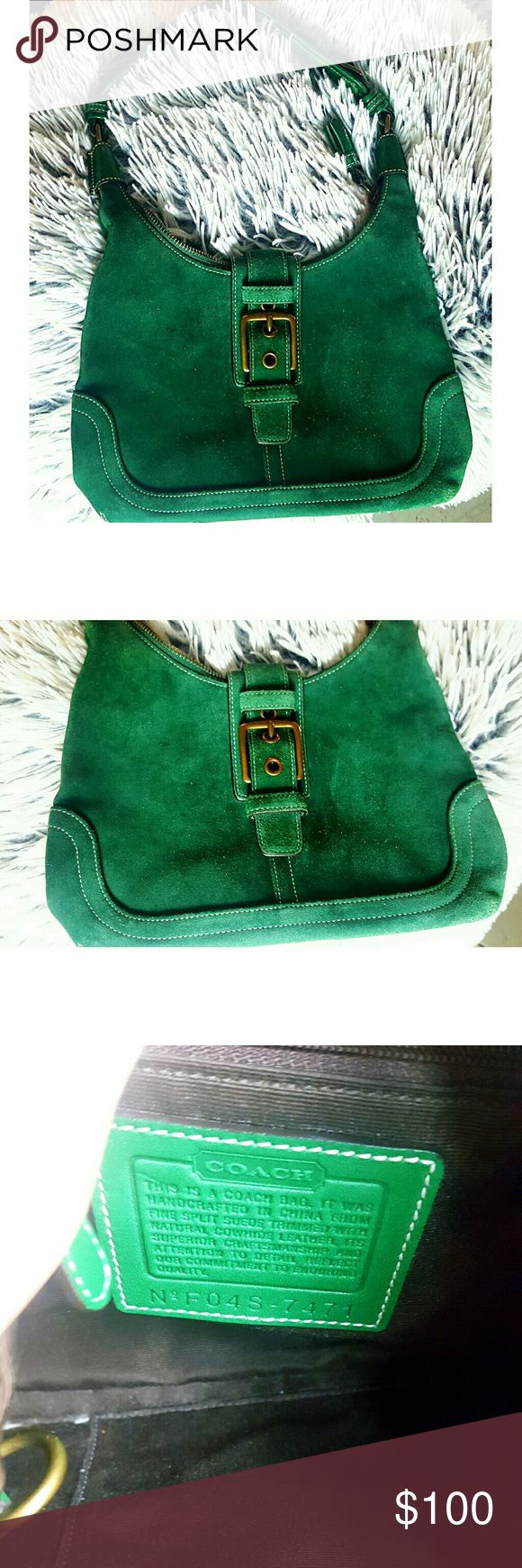 BEAUTIFUL COACH PURSE Lovely dark green purse. Good condition. Inside of purse is good condition also. Coach Bags