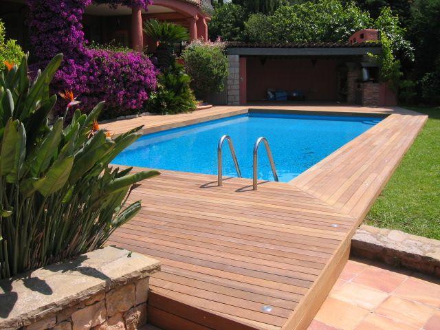 Les 25 meilleures id es de la cat gorie piscine cach e sur pinterest chambr - Terrasse teck piscine ...