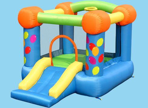 #Castillo Mini #Globos. Este divertidísimo #hinchable llenará tu fiesta color. A los pequeños de la casa les encantará estar rodeados de globos y saltar sin parar por su tobogán. Desde 40€ al día