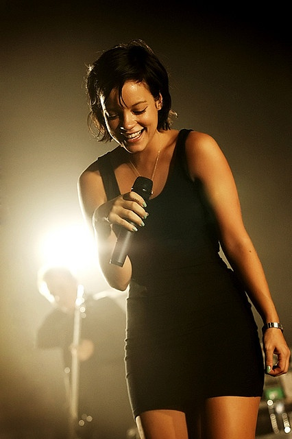 Lily Allen- perfect body~