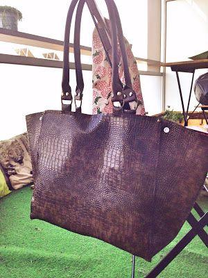 sac à coudre soit même en cuir, instruction et patron dans l'article ! Free swing pattern leather hand bag