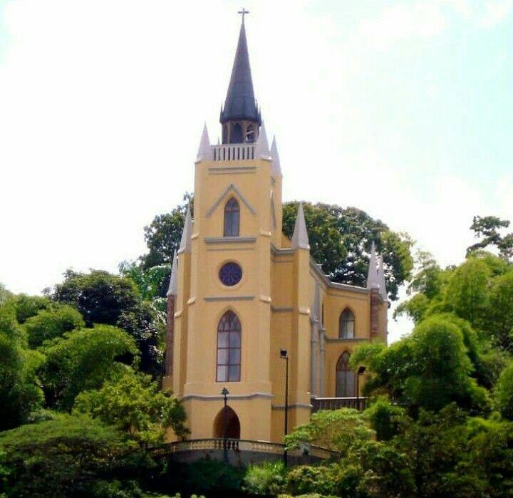Capilla Nuestra Señora De Lourdes El Calvario House Styles Mansions Building