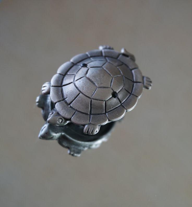 Pewter Tortoise Black Rhinestone Brooch, Vintage Turtle Brooch, Small Turtle Pin, Turtle Jewelry, Trend, Reptile Brooch, Pewter Turtle Pin by LeTreasurelat on Etsy