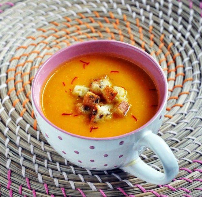Zupa krem z pieczonej dyni z szafranem