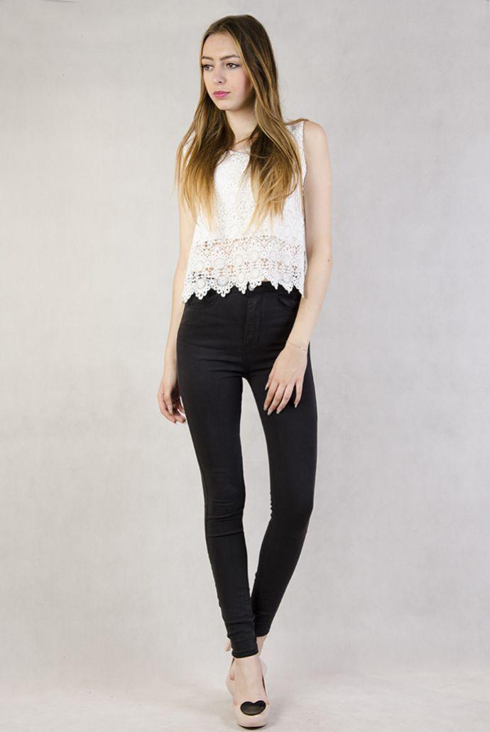Czarne spodnie rurki z wysokim stanem
