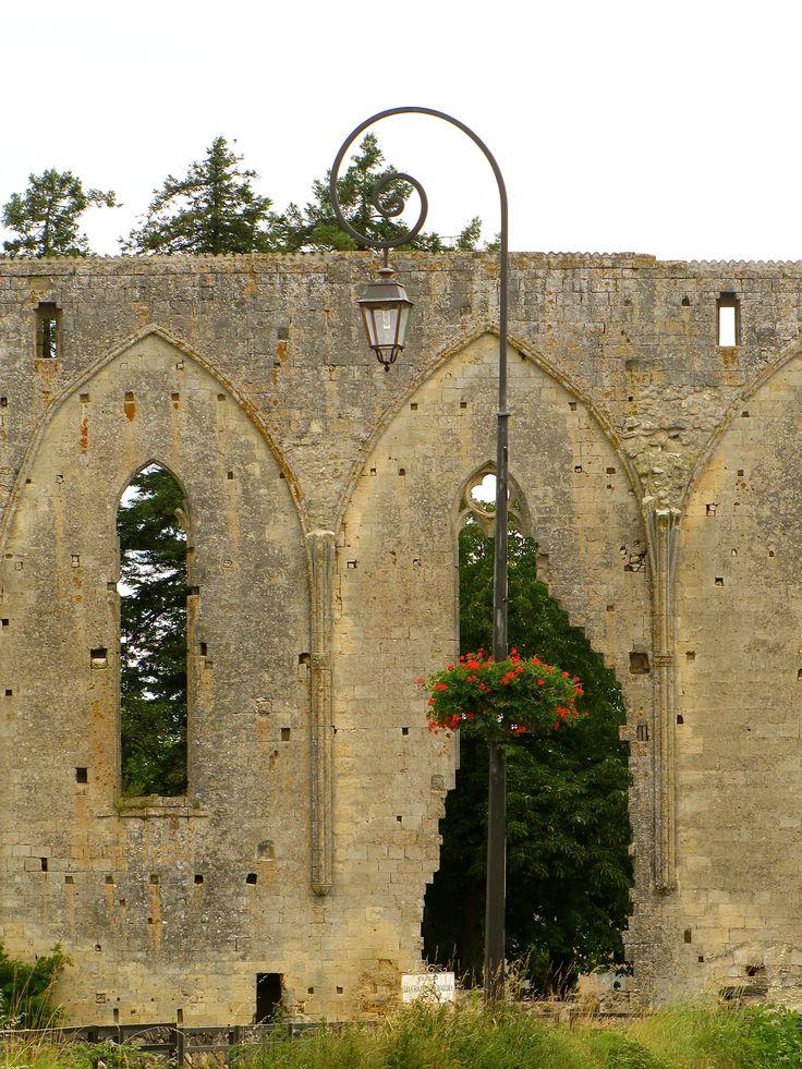 Vestige 13th century. St Émillion http://gretatheron.wix.com/french-escapades