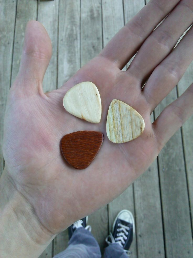 How to make wood guitar picks for less than the price to buy them
