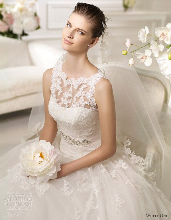 white one wedding dresses 2013 - The sole reason I am repinning this is because I have not seen a pretty dress in so long. They are all hooker strapless