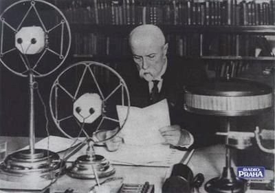The first Czechoslovak President, Tomas Garrigue Masaryk, addressing listeners in the USA, Prague 1932