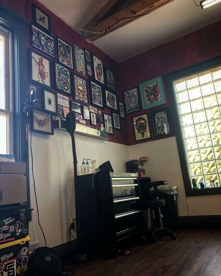 Tattoo Studio Ideas Pinterest: Best 25+ Tattoo Studio Interior Ideas On Pinterest