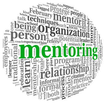 Mentoring ist eine fördernde temporäre Beziehung und ein Prozess, in dem eine erfahrene Person (Mentor oder Mentorin) eine weniger erfahrene Person (Mentee) über einen längeren Zeitrum in Vier-Augen-Gesprächen berät. Wie es als Personalentwicklungsinstrument eingesetzt werden kann, erfahren Sie in unserem Blog.