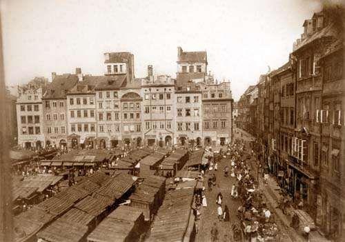 Rynek Starego Miasta z targowiskiem w latach 80-tych XIX w.