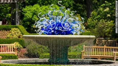 Dale Chihuly, Frida Kahlo, Henry Moore, Isamu Noguchi and other world-renowned artists are the newest superstars at public botanic gardens around the United States.