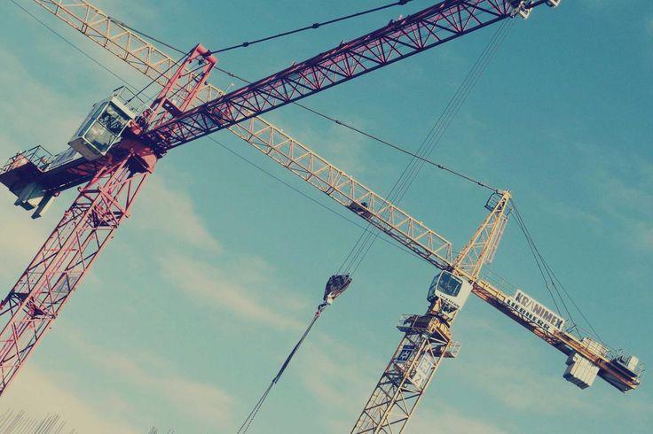 🌈 cranes construction industrial - get this free picture at Avopix.com    🆕 https://avopix.com/photo/24890-cranes-construction-industrial    #crane #cranes #construction #lifting device #device #avopix #free #photos #public #domain