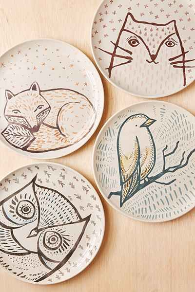 Plum & Bow Cozy Critter Plate - Urban Outfitters