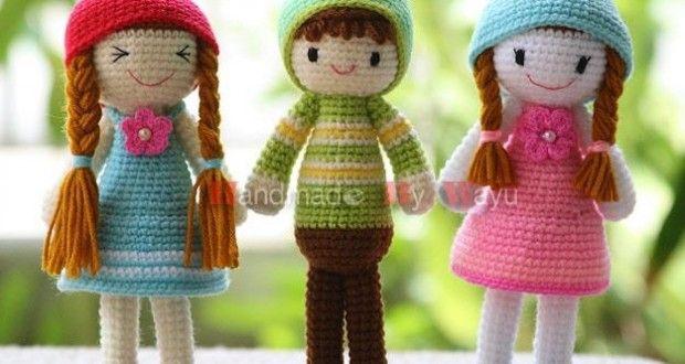 Minik şapkalı kızlarımızın tarifi sevgili sinem48 adlı üyemiz tarafından forumumuza eklendi.Sinemcim ellerine emeklerine sağlık cnm çok teşekkürler Bu güzel bebekleri bizlerle örmek isteyen tüm üyelerimiz lütfen Tıktık