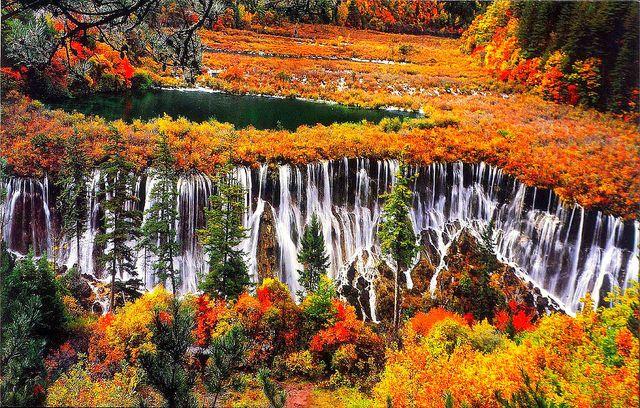 海外旅行世界遺産 九寨溝の渓谷の景観 中国