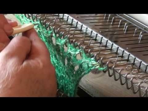 KR 230 filati grossi punto ripreso - YouTube