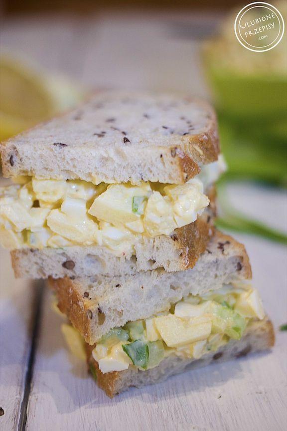 Dzisiaj proponuję coś do kanapek - pastę jajeczną z jabłkiem i selerem naciowym.