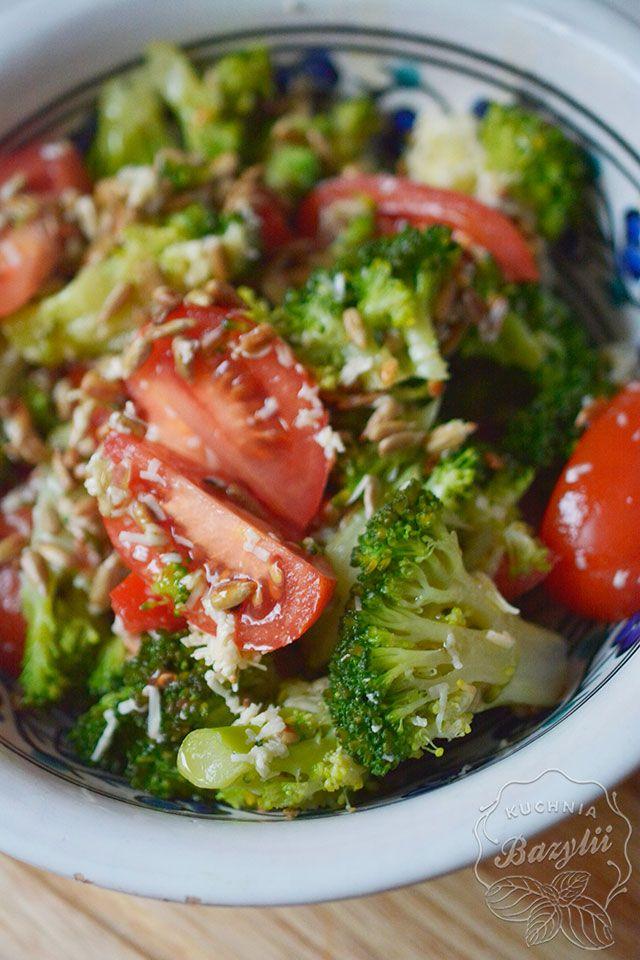 Lekka Salatka Z Brokulem I Pomidorem Sprawdz Przepis Na Blogu Recipe Salad Dishes Tasty Dishes Healthy Eating