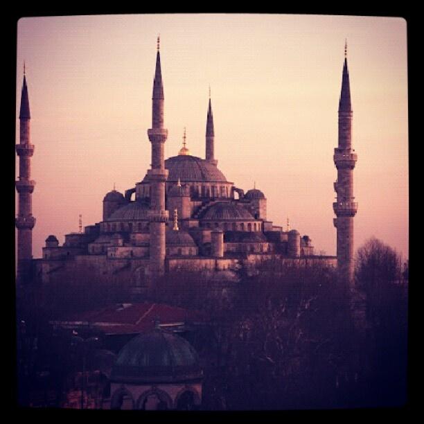 ブルーモスク イスタンブールにある世界遺産のモスク。内装も大変美しい。 - @his_japan- #webstagram