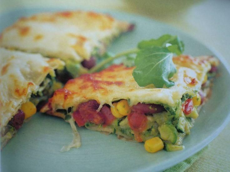 Quesadilla`s Met Spinazie En Kaas recept | --> Vervang cottage cheese met  geraspte oude kaas (geen lactose). Bak met spinazie in pan tot vocht een beetje uit spinazie is gekomen, stop in blender, pureer tot gladde saus.