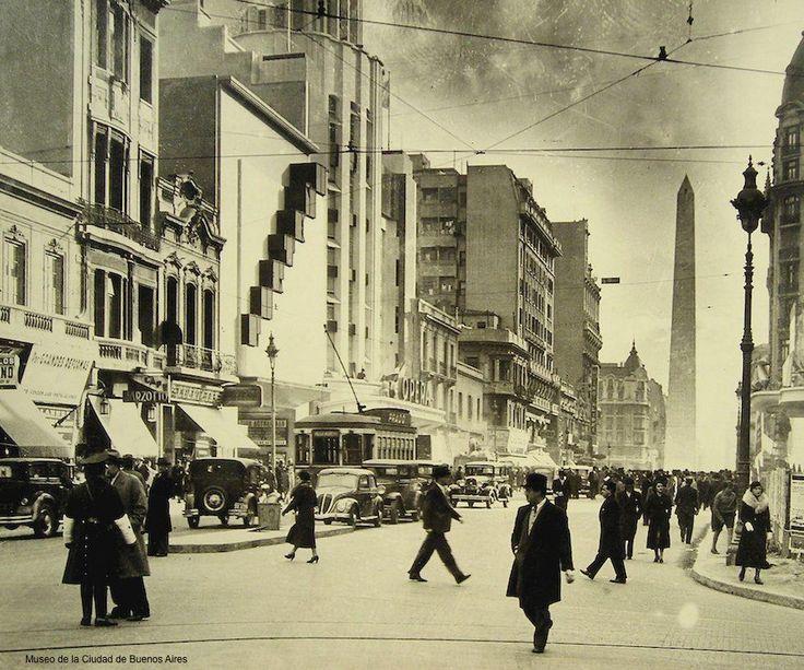 Avenida Corrientes al 900. Año 1930. Buenos Aires, Argentina.