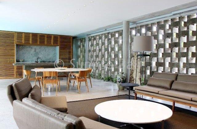 http://www.immobali.com/property/villa-in-prime-location-petitenget/