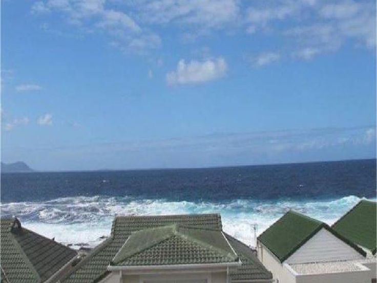 Ocean Edge Apartments - Ocean Edge Apartments is situated in the Whale Rock Estate in Hermanus. Guests are a stone's throw away from the beach and can spend their time swimming, sunbathing, and unwinding.The apartment has two ... #weekendgetaways #hermanus #southafrica