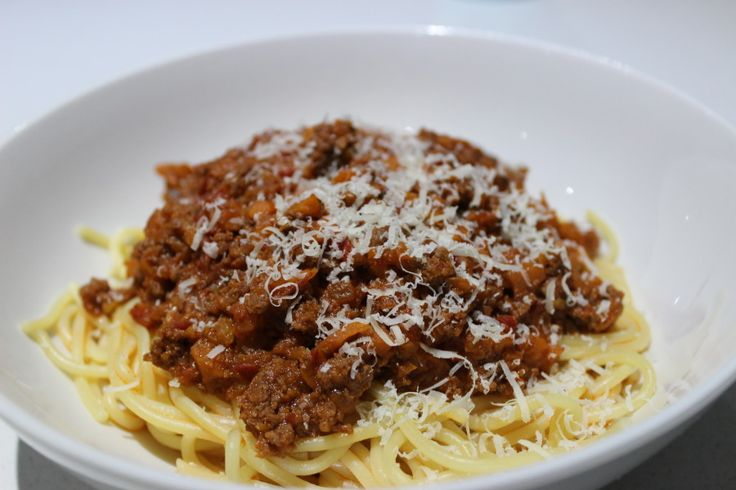Spaghetti Bolognese with hidden vegetables, use GF pasta