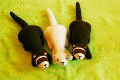 POUR LE CROCHET… Voici des modèles de doudous à réaliser au crochet. J'ajouterai des liens au fil de mes découvertes… N'hésitez pas à me laisser un commentaire si vous avez des mo…