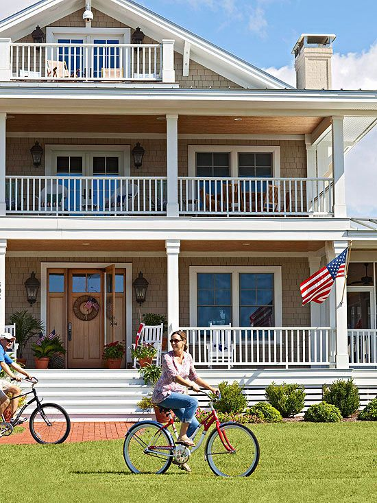 When it comes to exterior color schemes, there's something to be said for tried-and-true combinations.