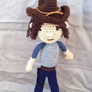 crochet doll - the walking dead - carl grimes