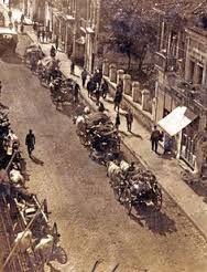 Εγκατάλειψη εστιών, τα φορτωμένα κάρα των Ελλήνων περνούν μέσα από την Αδριανούπολη. (Οκτώβρης 1922)