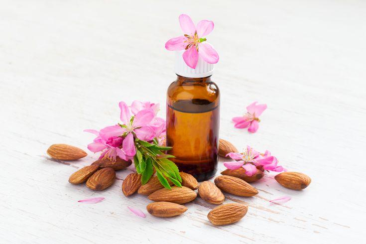 Uleiul de migdale, elixir pentru piele
