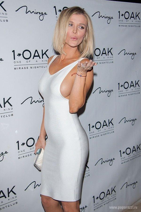 Американская актриса выбрала для похода в ночной клуб слишком откровенный наряд. ФОТО :: Новости N - Николаевские новости