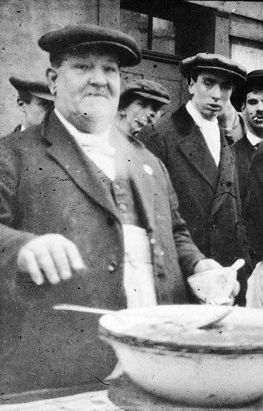 1919 The Jellied Eel Man
