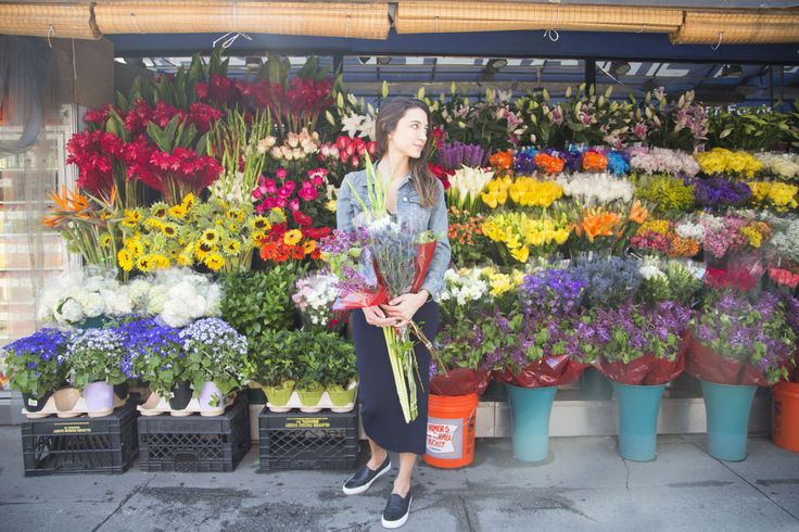 Happy May Day! Make a Chic Flower Crown from Bodega Flowers  - HarpersBAZAAR.com