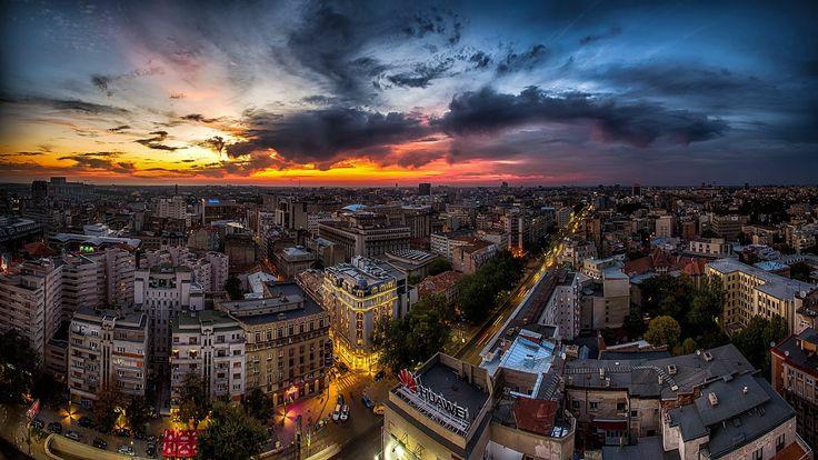 #Bucharest #sunset #bsu2k17 #Romania