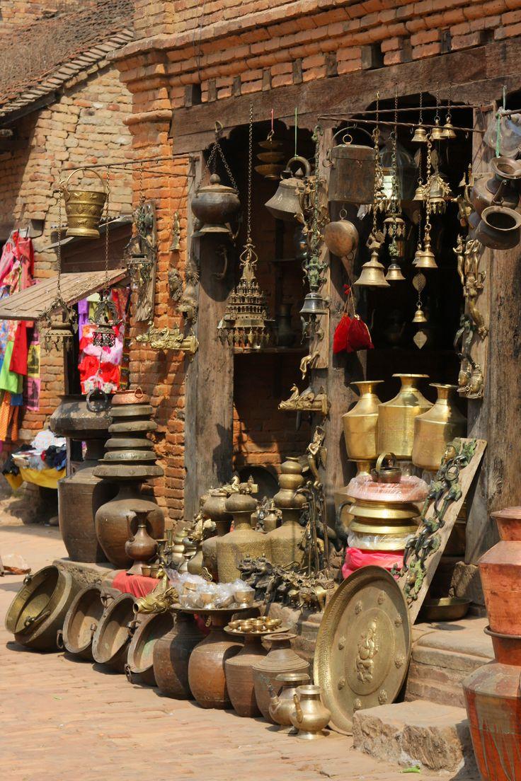 De backstreets van Kathmandu! Kijk voor meer reisinspiratie op www.nativetravel.nl
