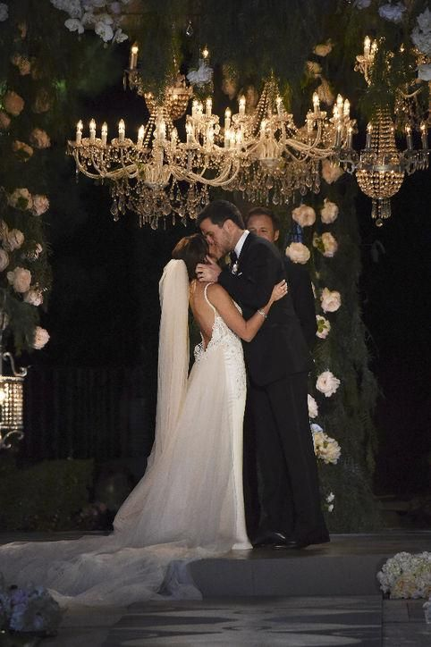 Jade Roper and Tanner Tolbert from Bachelor in Paradise are married! Click to see pictures from the beautiful California ceremony.