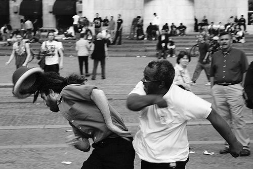 How To Survive and Thrive In a Street Fight in 8 Simple Steps
