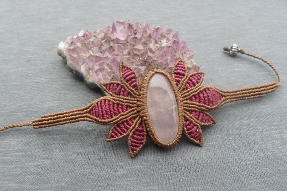 handmade macrame stone bracelet with rose quartz cabochon and adjustable size