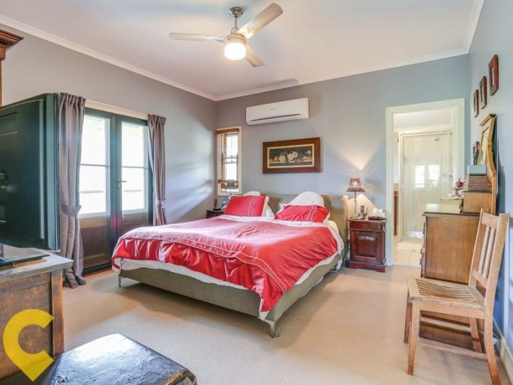 Mount Kilcoy Queenslander: featuring three generous sized bedrooms (master with walk in robe and en-suite) #queenslander #homes